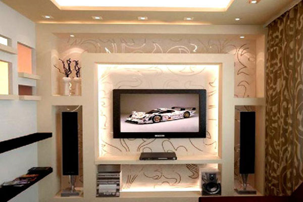 Decoration wall behind the LCD (3)