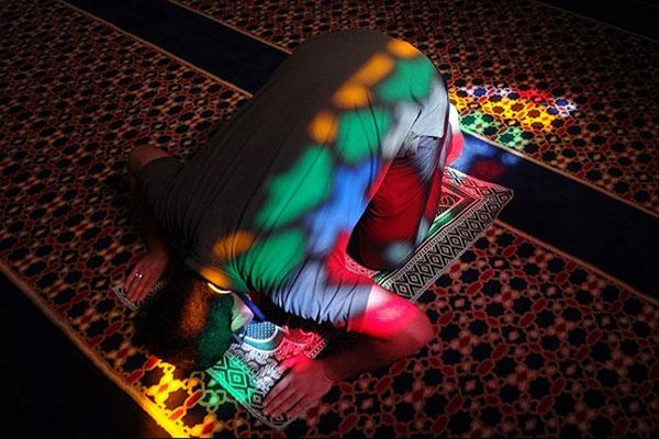 Laylatul-Raghaib-pray