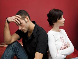 چگونه به همسر خود بگوئیم که رفتارش باعث ناراحتی ما شده؟