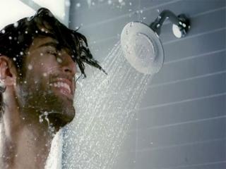 فواید دوش آب خنک برای سلامتی