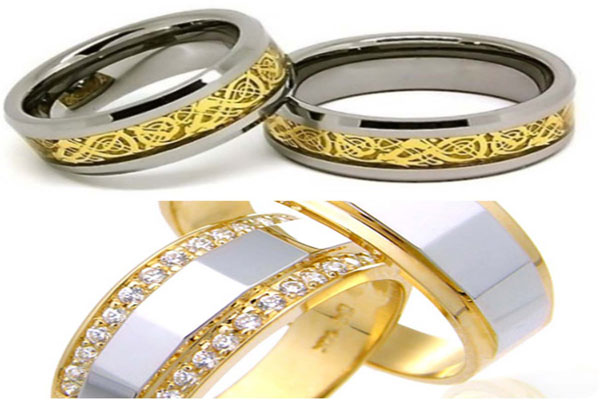 A very beautiful set engagement rings (2)