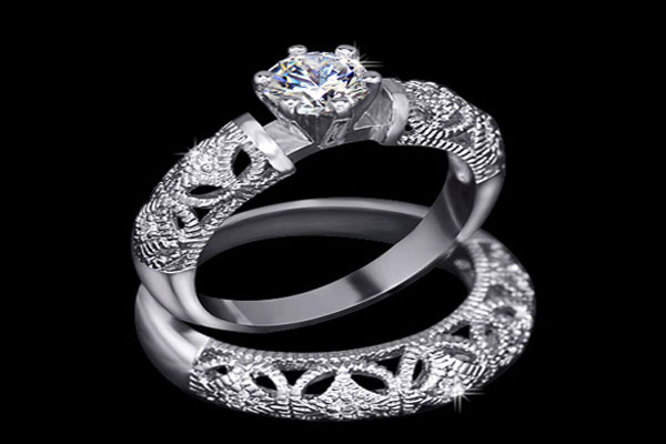 A very beautiful set engagement rings (7)