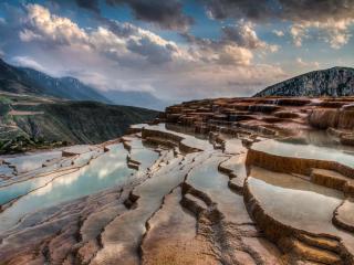 زیباترین چشمه جهان در ایران