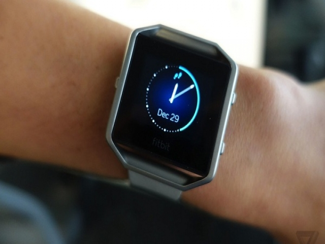 Fitbit دو دستگاه جدید در دست ساخت دارد