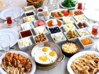 صبحانه چی بخوریم؟