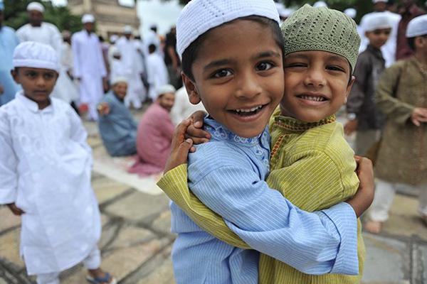 Customs-Muslims-on-Eid-Al-Fitr