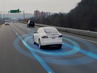 تسلا سنسورهای بیشتری را برای سیستم Autopilot به اتومبیل های خود می افزاید