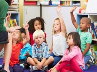 نشانه های عمومی در دانش آموزان بیش فعال