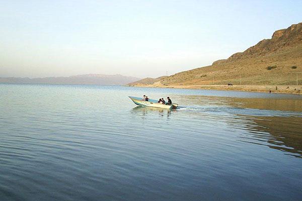 Maharloo-Lake4