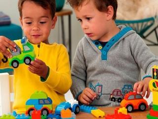 خلاقیت چیست؟ و چند نشانه از کودکان خلاق
