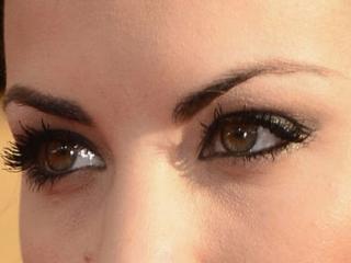 آرایش چشم مناسب پلک های افتاده و پف دار