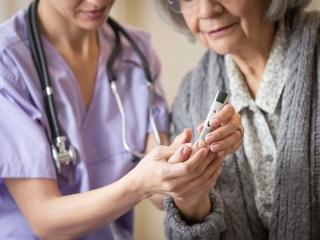 کنترل دیابت در دوران سالمندی