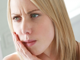 علل آبسه دندان و درمان آن