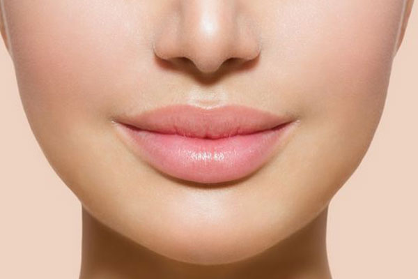 The-secret-to-beautiful-lips-without-makeup