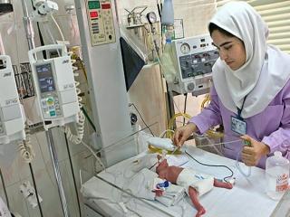 کمبود 2 برابری پرستار در نظام درمانی کشور