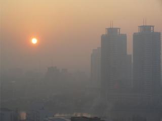 آلودگی هوا، عمر ایرانی ها را بر باد می دهد/ 25 درصد بیماریها مربوط به آلودگی هوا است