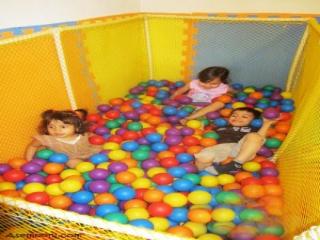 تصاویری از بازی کردن بچه ها در مهد کودک