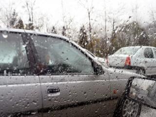 ترافیک سنگین و بارش باران در جادههای کشور