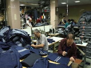 تنگی نفس بازار پوشاک/ تعطیلی واحدهای تولیدی یکی پس از دیگری