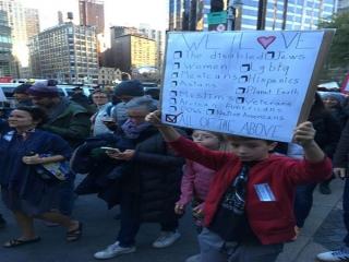 حضور پررنگ مهاجران در روز پنجم از اعتراضات علیه دونالد ترامپ