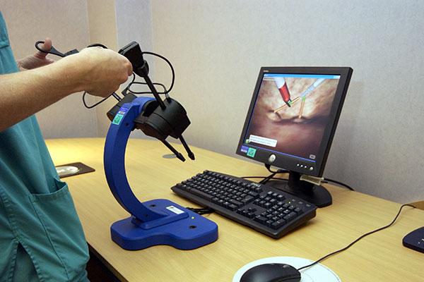 بهترین مراکز و پزشکان لاپاراسکوپی، عمل بررسی رحم در تهران