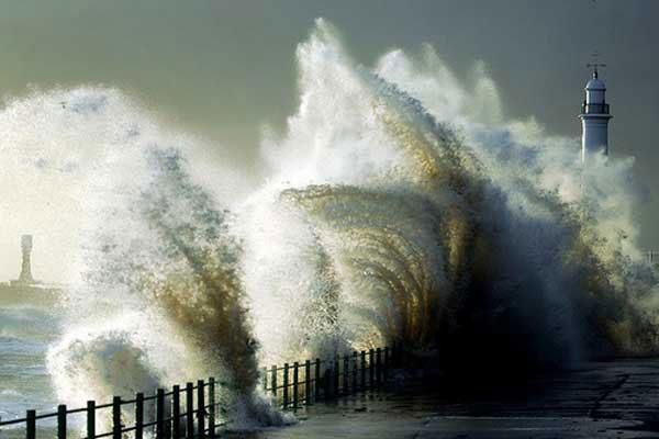 wind-gusts-tornado-hurricane4