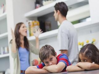 نکاتی درمورد دعوای والدین در مقابل بچه ها