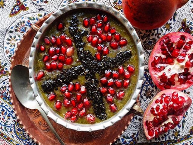 غذاهای مخصوص شب یلدا