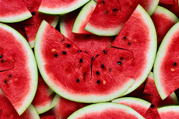 what-food-to-buy-for-yalda-1