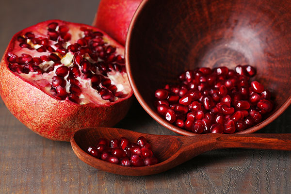 what-food-to-buy-for-yalda-2