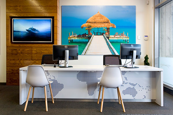 travel-agency-establish1