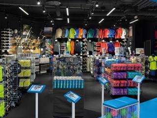 طراحی دکوراسیون مغازه لوازم ورزشی