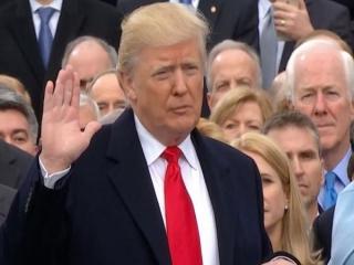 آغاز به کار چهل و پنجمین رئیس جمهور آمریکا | دونالد ترامپ سوگند خورد