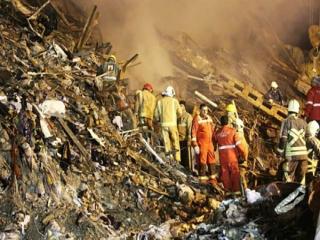حادثه پلاسکو به روز ششم رسید/ آواربرداری و جستجو مفقودان و آتش نشانان شهید همچنان ادامه دارد