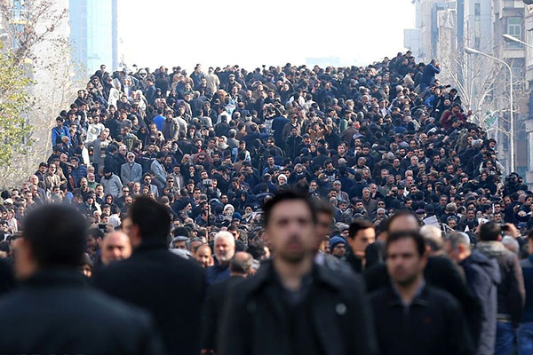 crowd-in-funeral