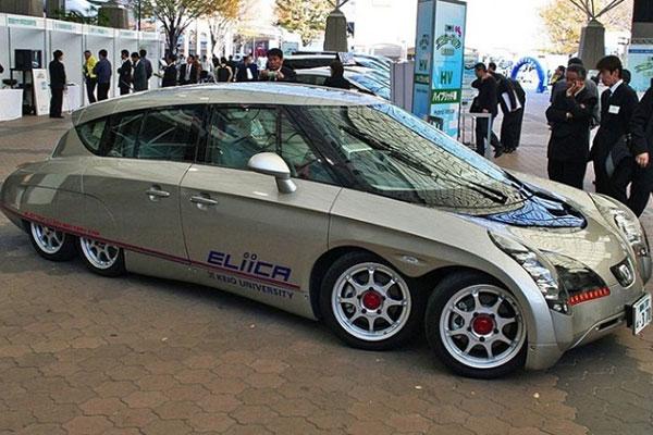 eight-wheels-car