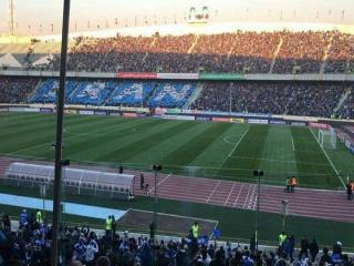 چند هزار تماشاگر استقلال پشت درهای ورزشگاه آزادی ماندند