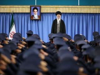 ایرانی از تهدید نمی ترسد/ مردم روز 22بهمن در خیابانها جواب تهدیدهای آمریکا را خواهند داد/ از این آقای تازه آمده در امریکا متشکریم که فساد همه جانبه امریکا را نشان می دهد