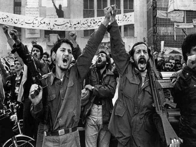 تصاویر دیده نشده از انقلاب 57 ایران