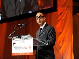 نادر تهرانی، طراح ایرانی آمریکایی