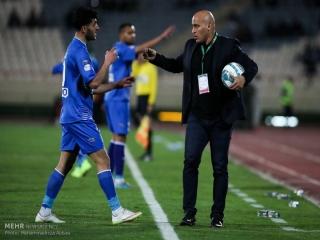 منصوریان: «زمانی» چرا همیشه مصاحبه میکند/ تیم ما را به هم ریختید