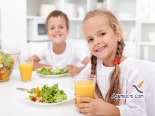 آموزش آداب غذا خوردن سر میز به کودک