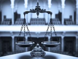 نقش وکیل پایه یک دادگستری در پیش گیری و حل مسائل حقوقی