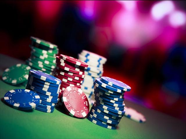 پوکر ، بازی شانس یا قمار پوچ