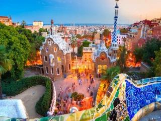 با بارسلونا اسپانیا بیشتر آشنا شوید