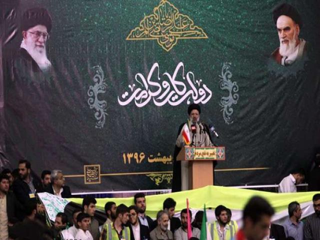 رئیسی در جمع پرشور مردم تبریز