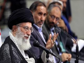 حاشیه دیدار رمضانی شاعران با امام خامنهای
