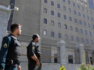 توضیحات لاریجانی درباره جلسه غیرعلنی مجلس/ کمیسیون امنیت ملی مسئول پیگیری حادثه تروریستی تهران