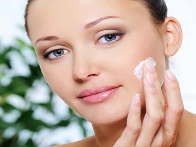 ماسک پاک کننده و کلیرینگ مناسب پوست های چرب