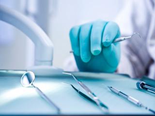 بلایی که دندانپزشک در اولین قرار بر سر دختر جوان آورد